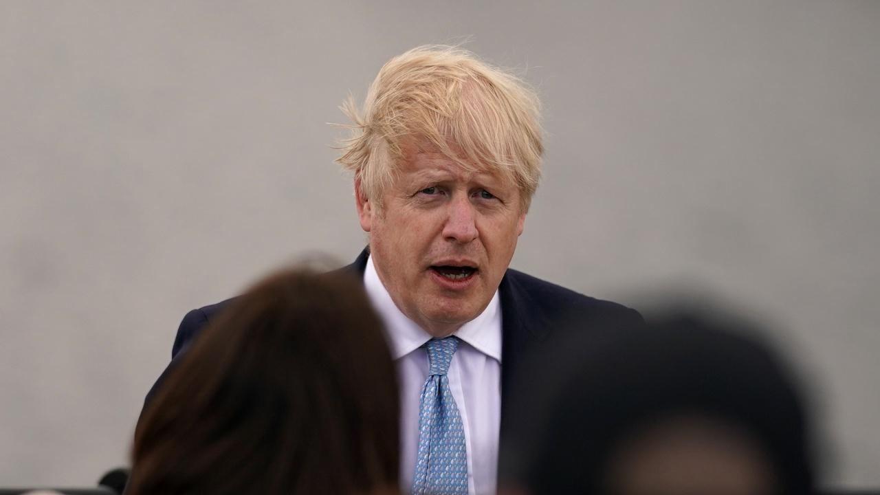 Борис Джонсън поздрави лидерката на Шотландската национална партия за изборната победа и я прикани да работят заедно