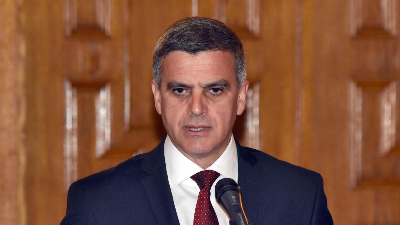 Радев обяви служебното правителство, Стефан Янев е премиер