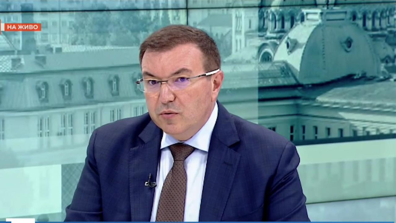 Проф. Ангелов със съвети към наследника си на поста и критики към президента