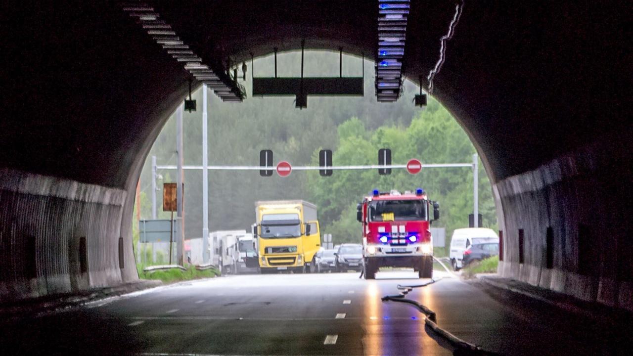 """Движението в тунел """"Големо Бучино"""" в посока София, ще е в една лента утре и в четвъртък"""