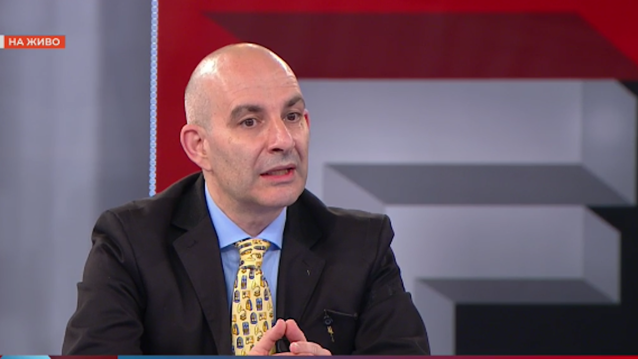 Журналист: Не е работа на служебното правителство да се занимава със сигнали