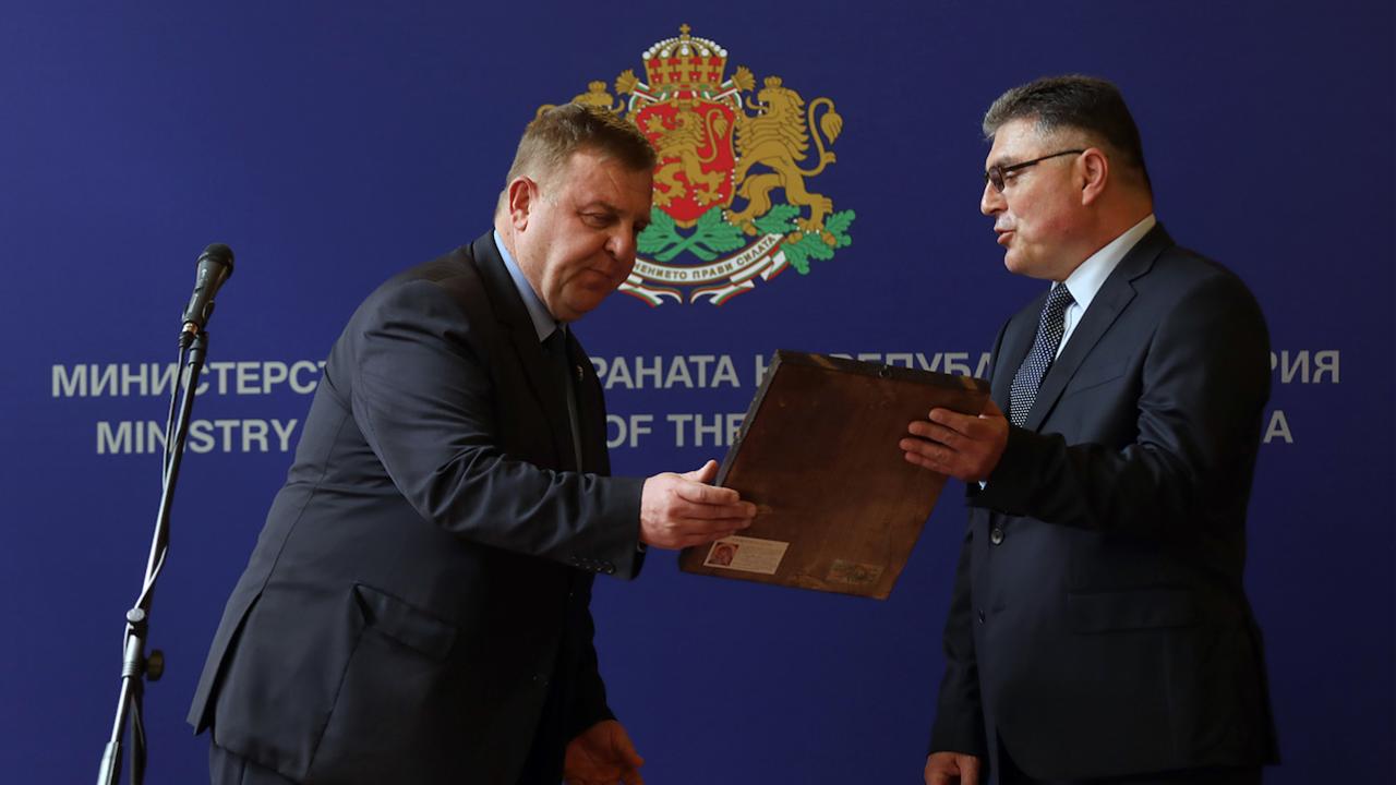 Новият министър на отбраната: Живеем във времена на тектонични геополитически размествания и армията трябва да бъде силна