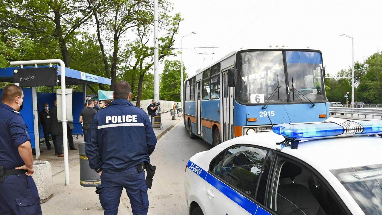 Електронните табла на спирките в София угаснаха, блокира и зареждането на карти