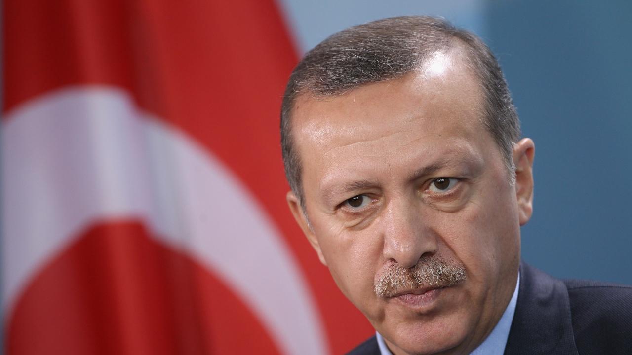 """Ердоган видя """"гилотина"""" във френски проектозакон срещу сепаратизма"""