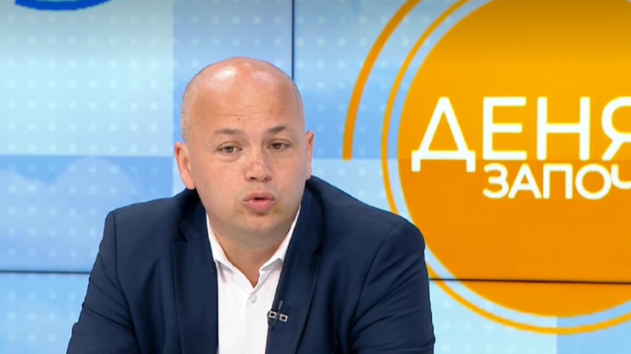 """Симов скочи на """"Има такъв народ"""": На последните избори спечелиха партиите, които мълчаха"""