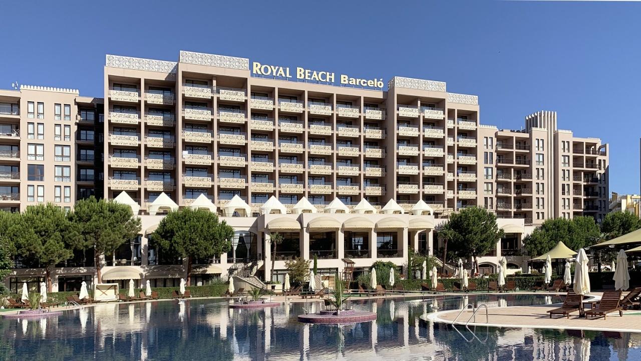 Петзвездният Barceló Royal Beach стартира летния туристически сезон с 40% отстъпка, безплатни промени в периода на нощувки и безплатен паркинг