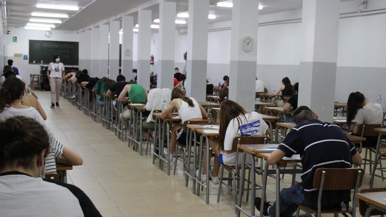 По тема 22 ще пишат учениците на матурата по БЕЛ