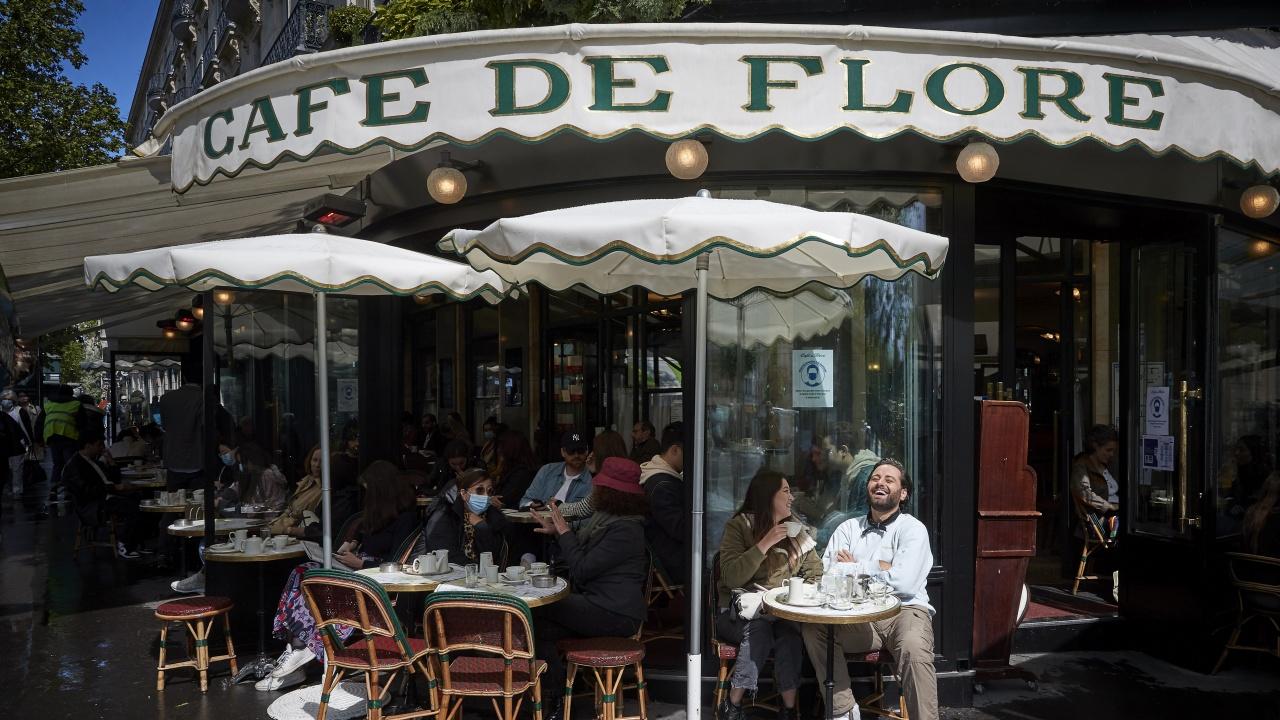 Отварят кина, музеи, магазини и заведения във Франция