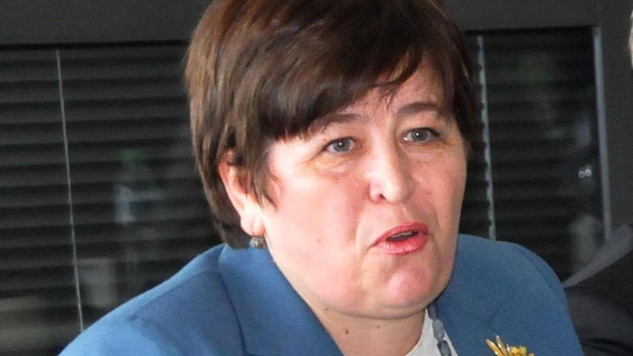 Министърът на туризма Стела Балтова свиква среща с бранша