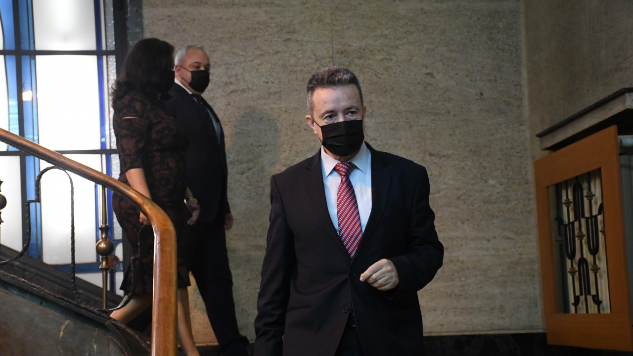 Янаки Стоилов постави краен срок за Спецправосъдието