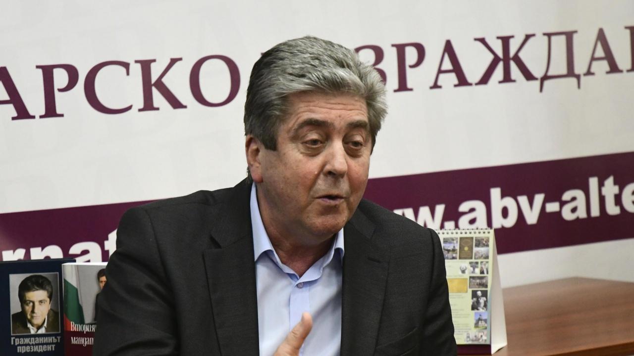 Политолог: Възможно е Георги Първанов отново да се готви за президент
