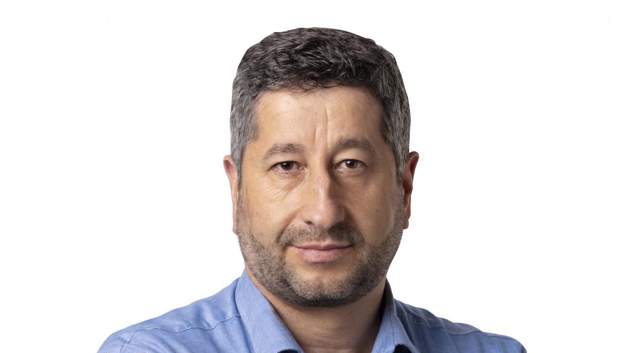 Христо Иванов: Поредното избиване на зъби ли е подслушването на политици?