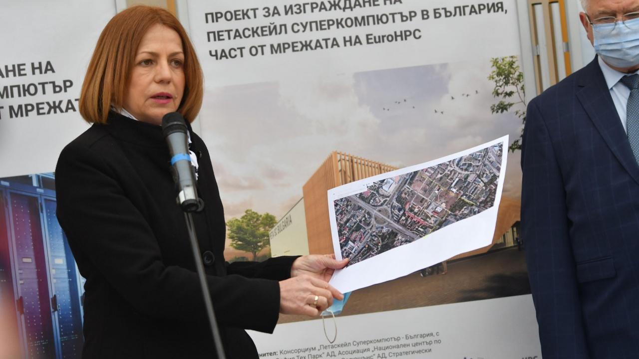 Фандъкова за 24 май: Използвайте българския език правилно