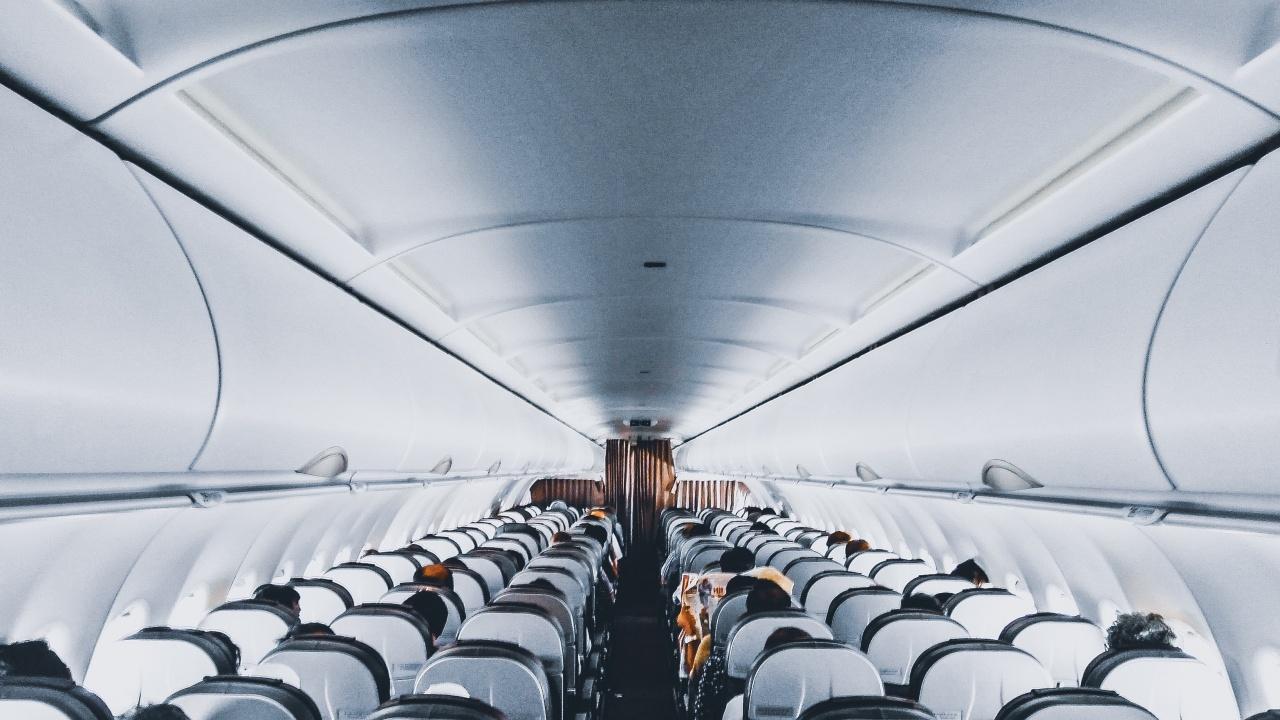 """Беларус създава комисия, за да разследва инцидента със самолета на """"Райънеър"""""""