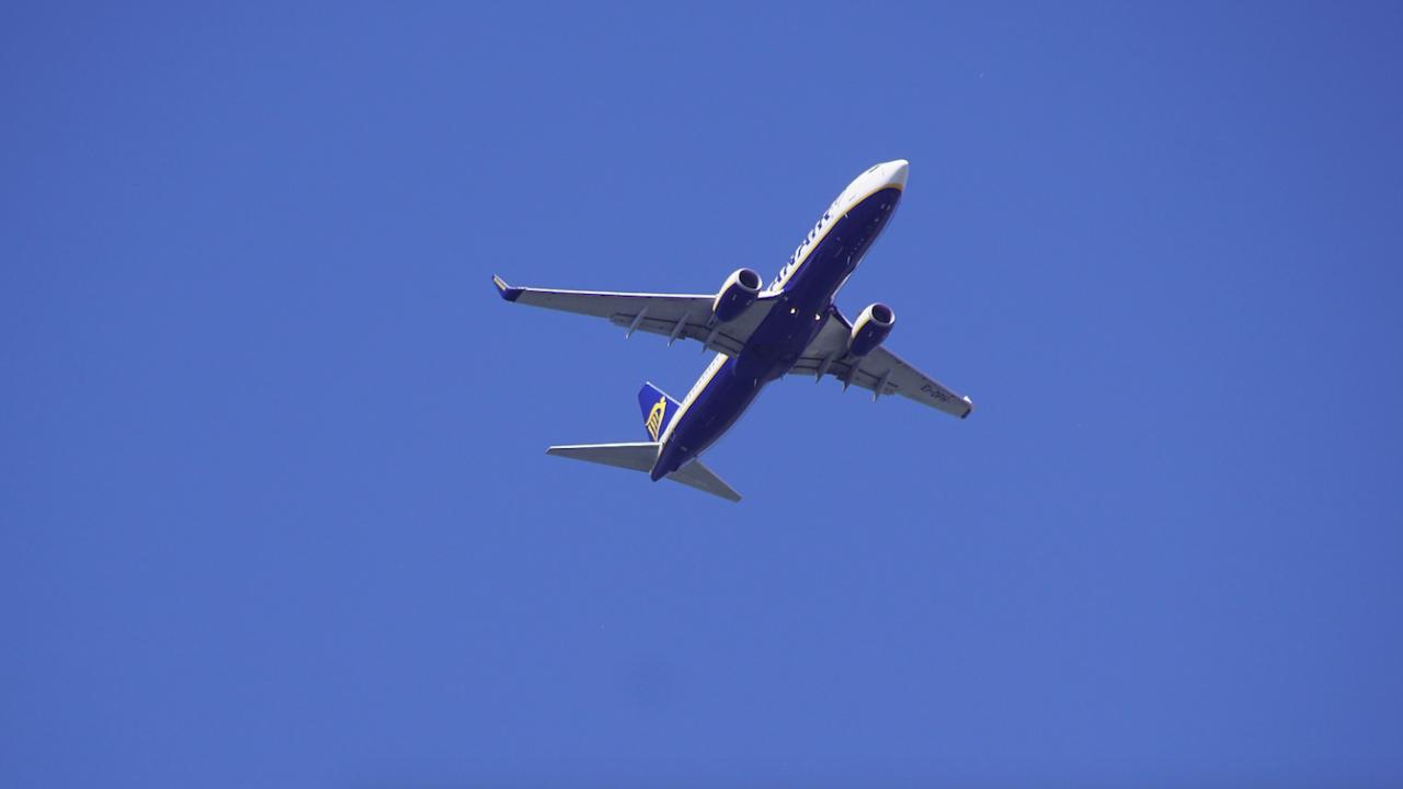 Официално: Не е имало българин на борда на отклонения в Минск самолет