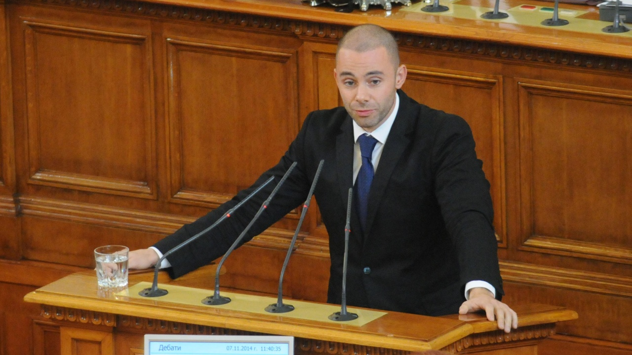 Александър Ненков: Някой разбра ли каква е позицията Радев за принудително сваления самолет от Беларус?