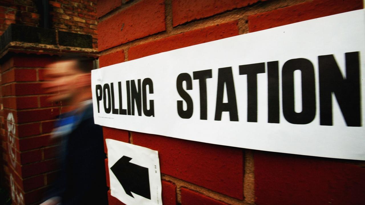 Великобритания ще премахне ограниченията на правото за гласуване за британците, живеещи в чужбина