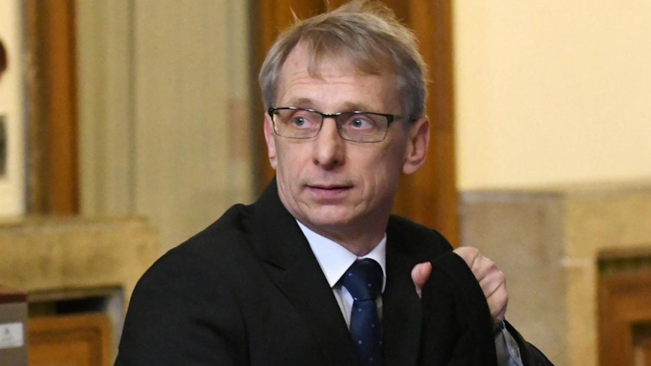 Просветният министър разкритикува Столична община за детските градини
