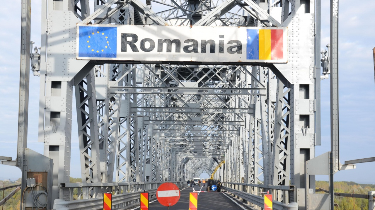 Стойчо Кацаров коригира заповедта за пристигащите от Румъния
