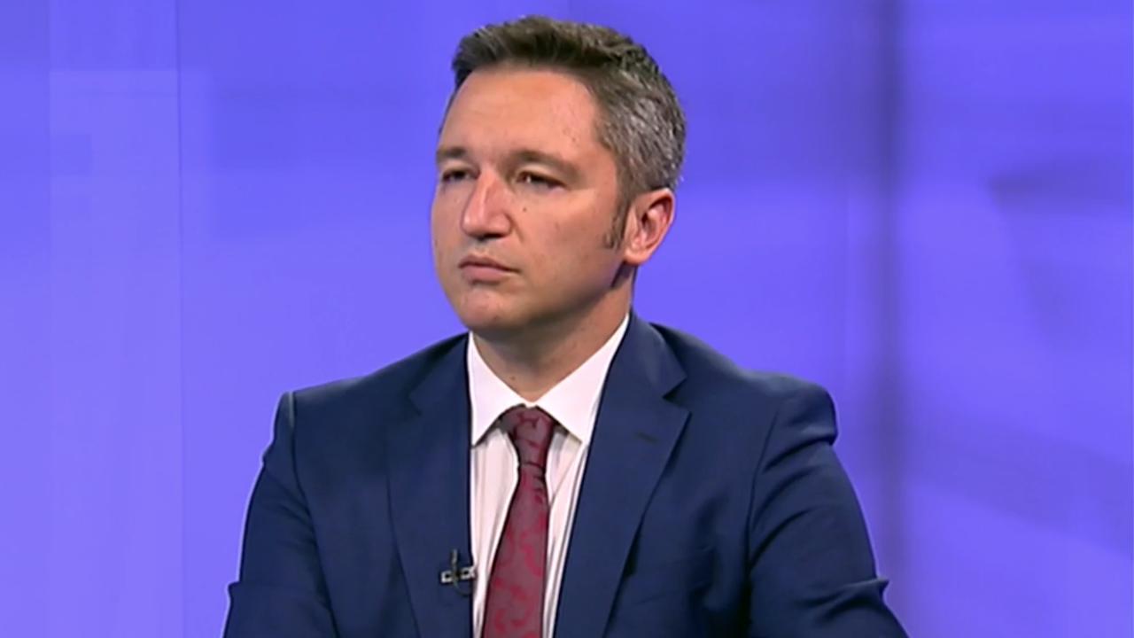 """Кристиан Вигенин: Първото място на изборите ще се реши между ГЕРБ, """"Има такъв народ"""" и БСП"""