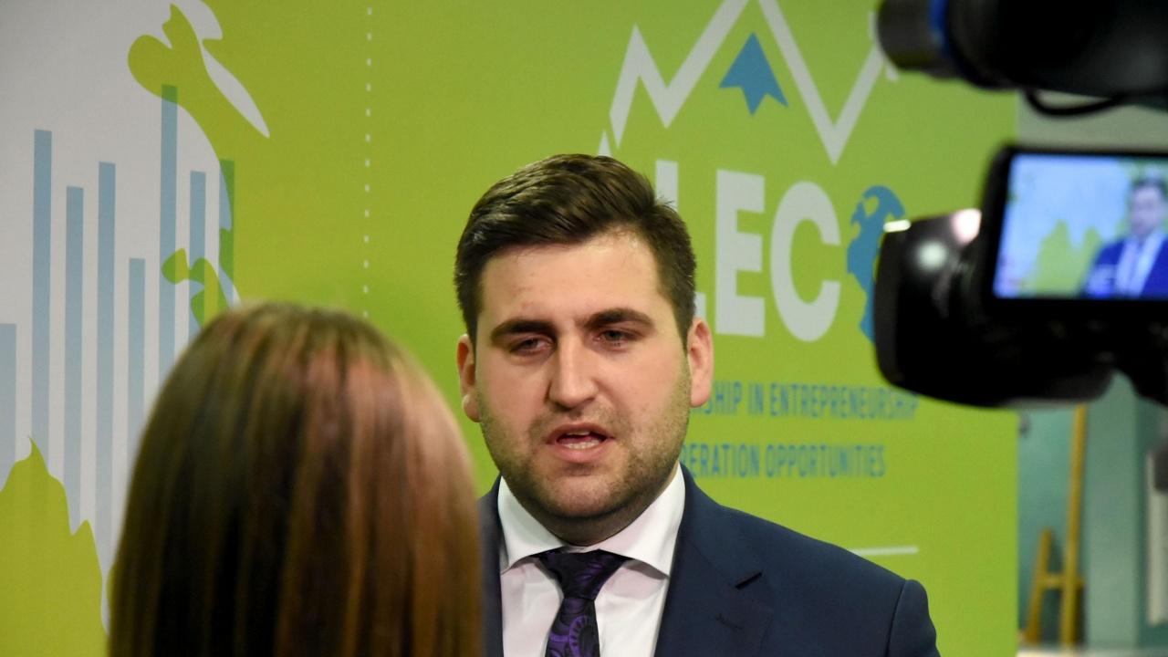 Евродепутатите от ГЕРБ в писмо до ЕП и ЕК: Служебното правителство действа като предизборен екип на президента
