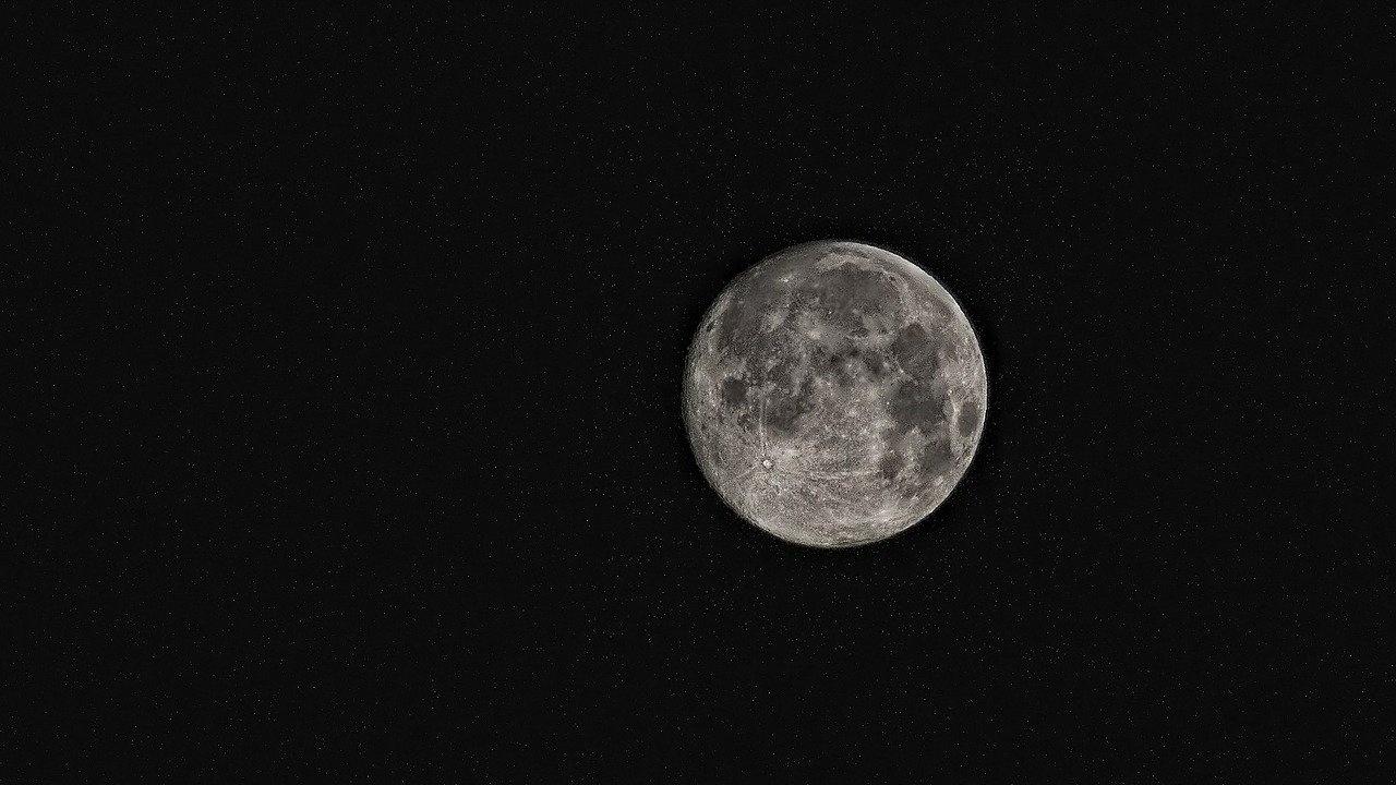 НАСА подготвя изпращането на роувър на Луната