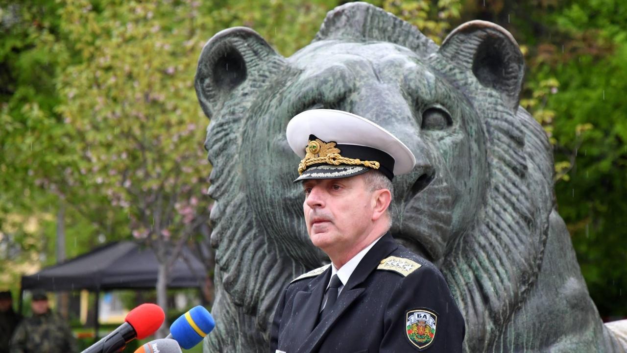 Началникът на отбраната с коментар за инцидента с американски военни в Чешнегирово