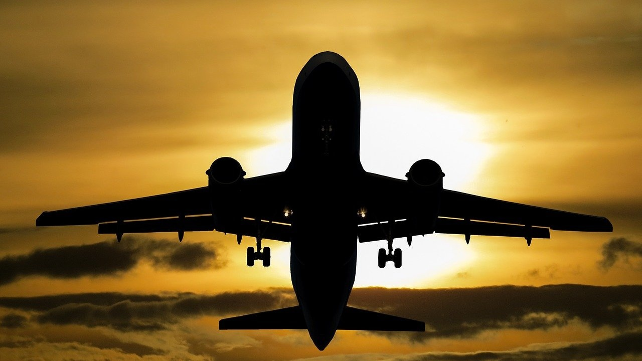 Русия възобновява полетите до Лондон