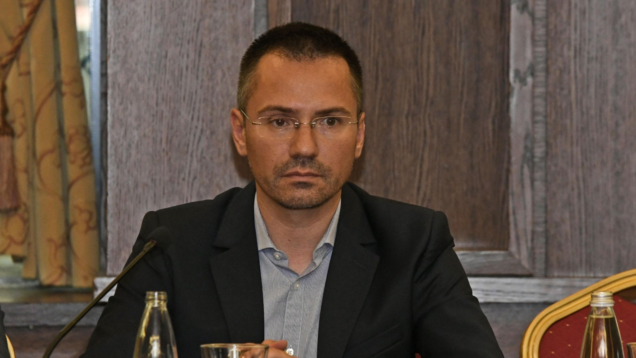 Ангел Джамбазки: Скопие подлага динена кора на служебното правителство