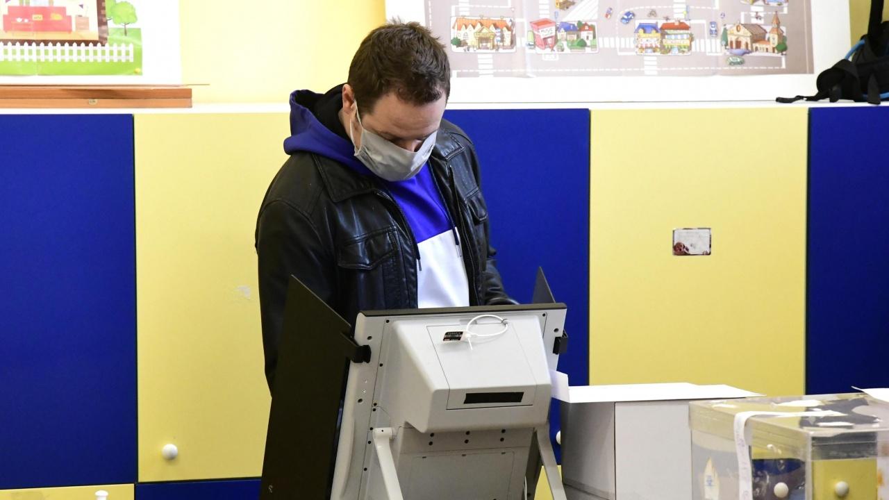 Областният управител на Перник настоява за експеримент с машинно гласуване