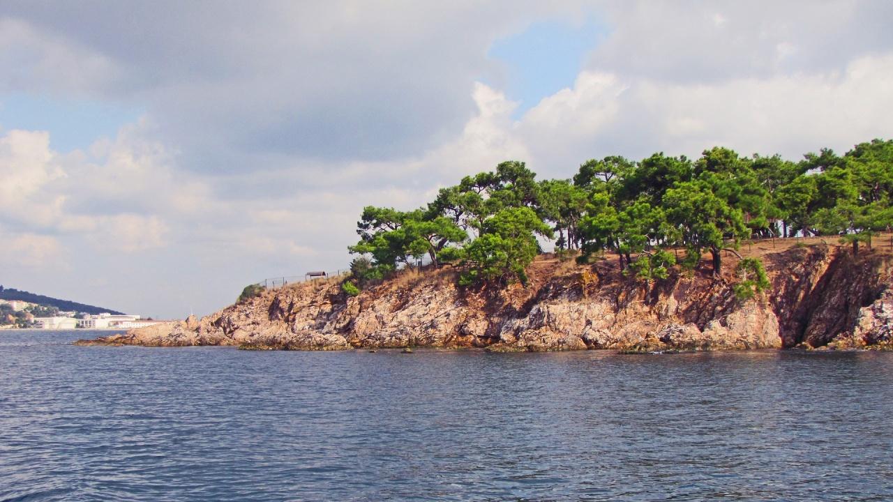 Слуз пречи на туризма и риболова в Мраморно море