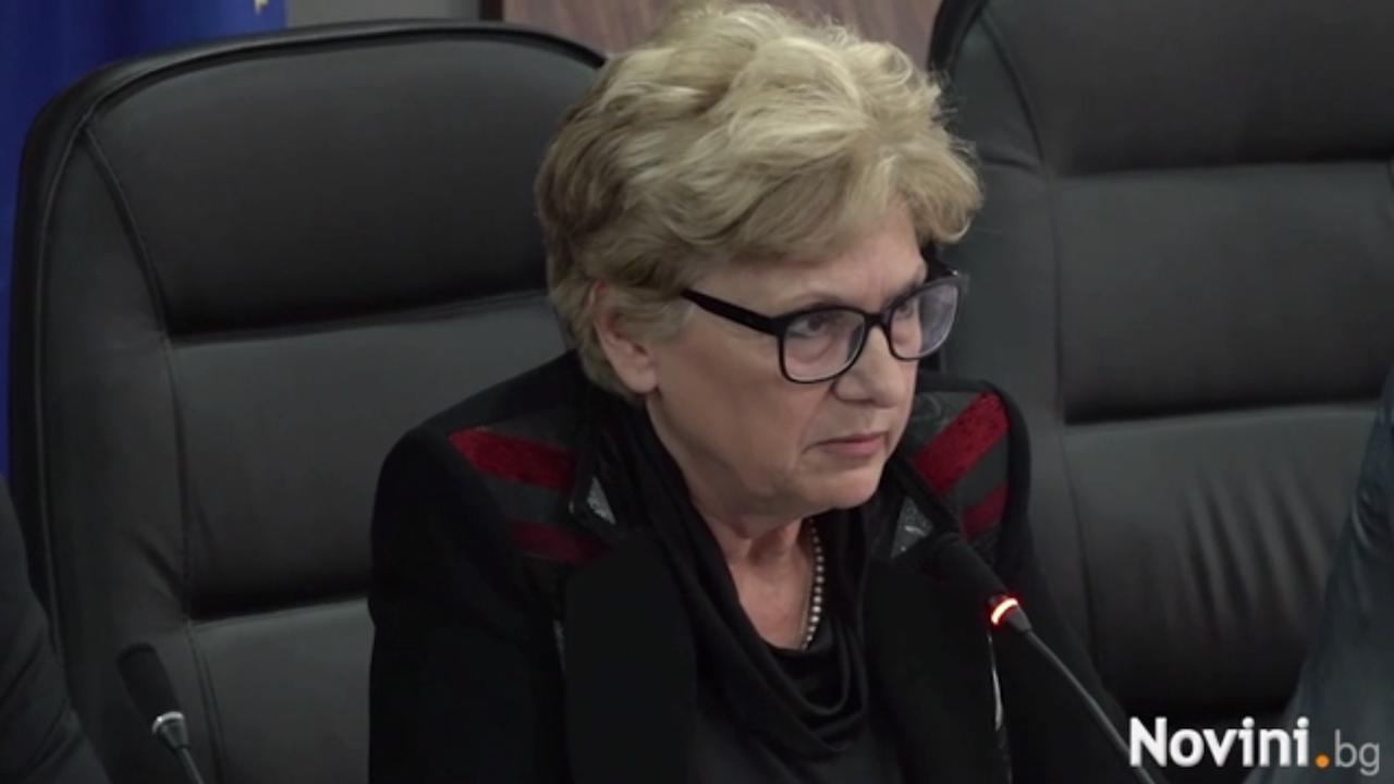 """Министър Комитова: Предстоят още разкрития за случващото се в """"Автомагистрали"""" и АПИ"""