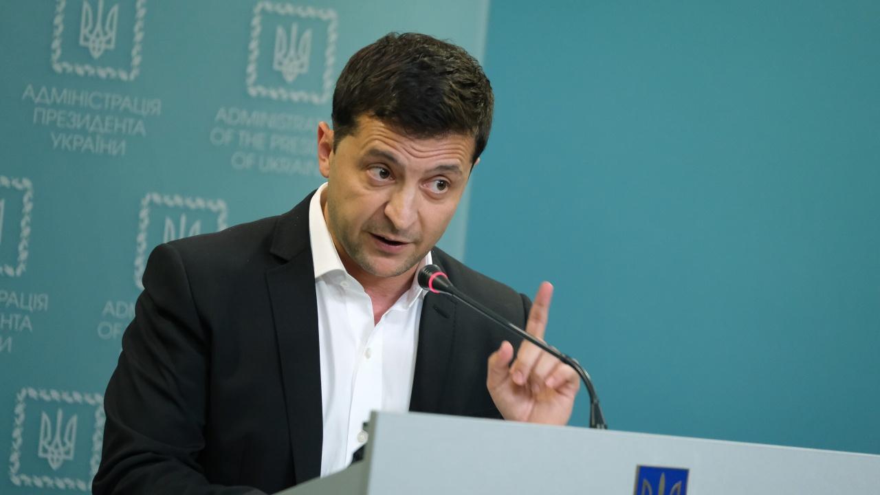 Президентът на Украйна реже влиянието на олигарсите със закон