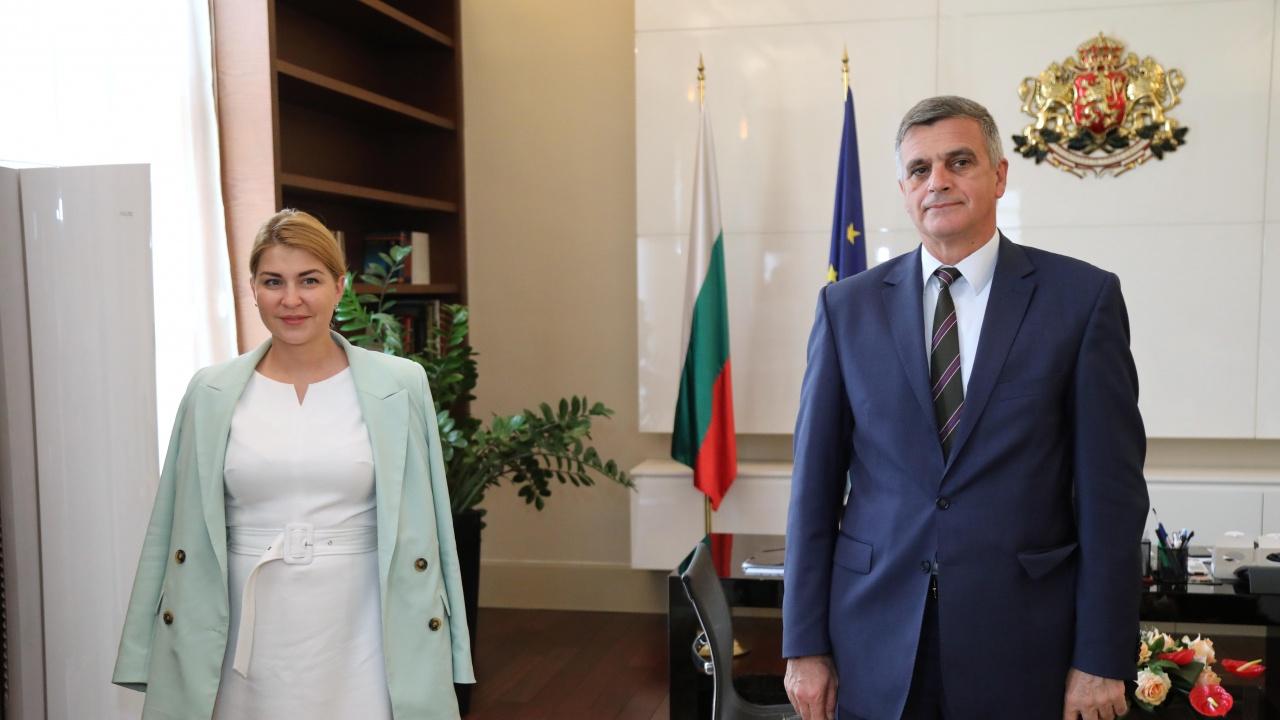 Стефан Янев проведе среща със заместник министър-председателя на Украйна Олга Стефанишина