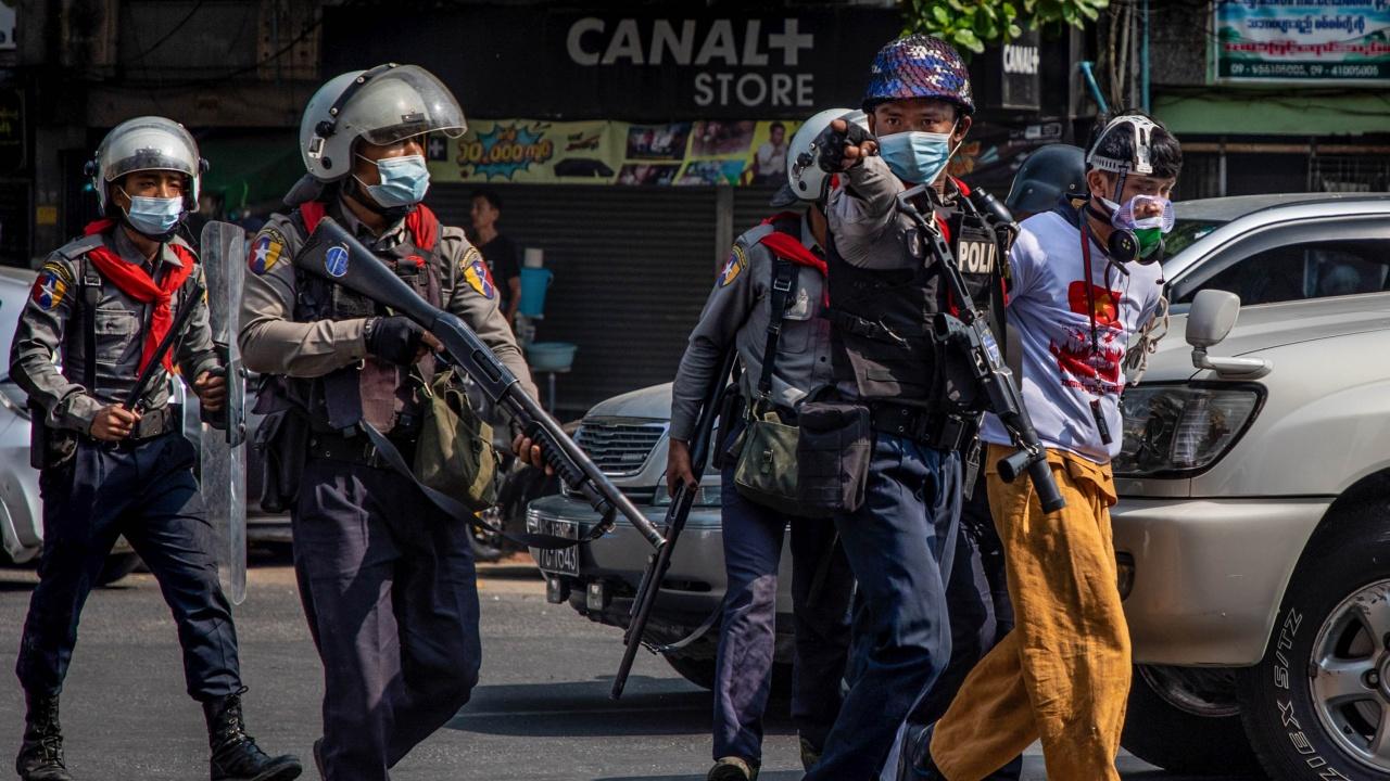 ЕС ще въведе нови санкции срещу военната хунта, управляваща Мианма