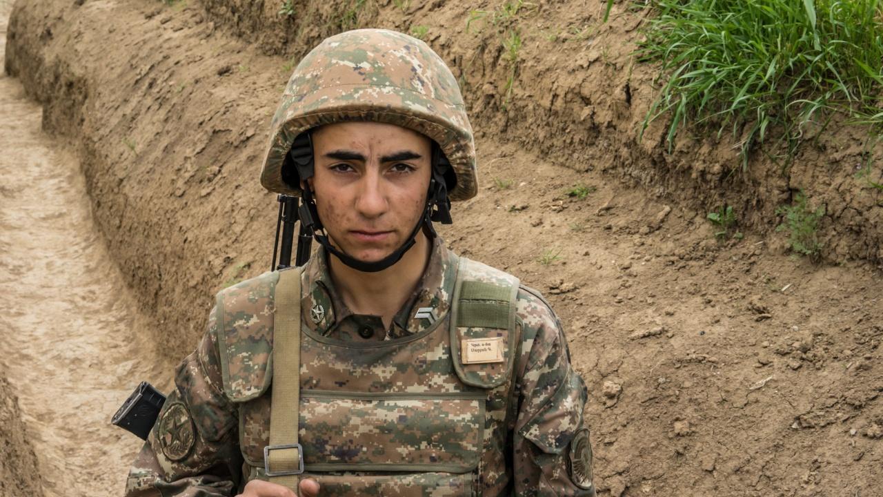 Азербайджански журналисти загинаха при взрив на мина в Нагорни Карабах