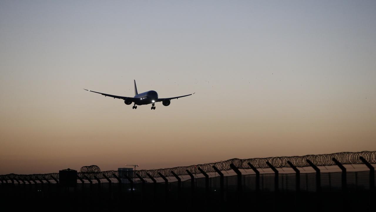 ЕС забранява на беларуските авиокомпании да използват неговото въздушно пространство и летища