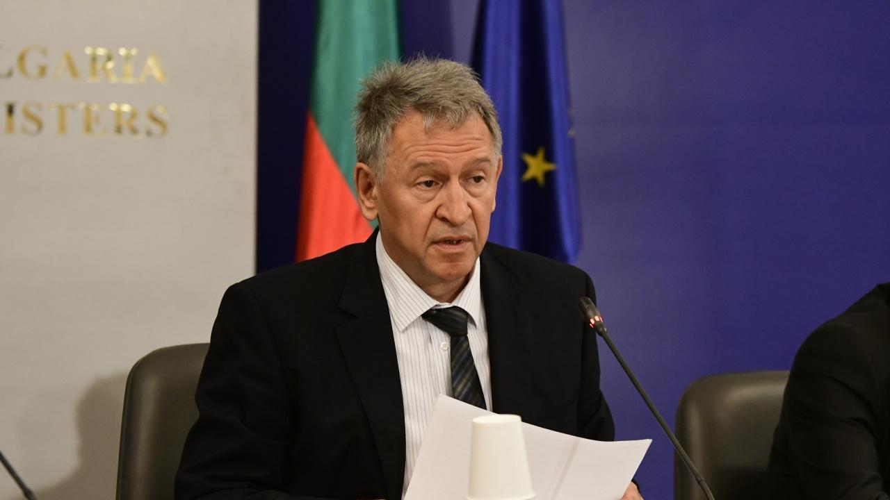 Министър Кацаров утвърди образец на Цифров COVID сертификат на ЕС за преболедуване на COVID-19