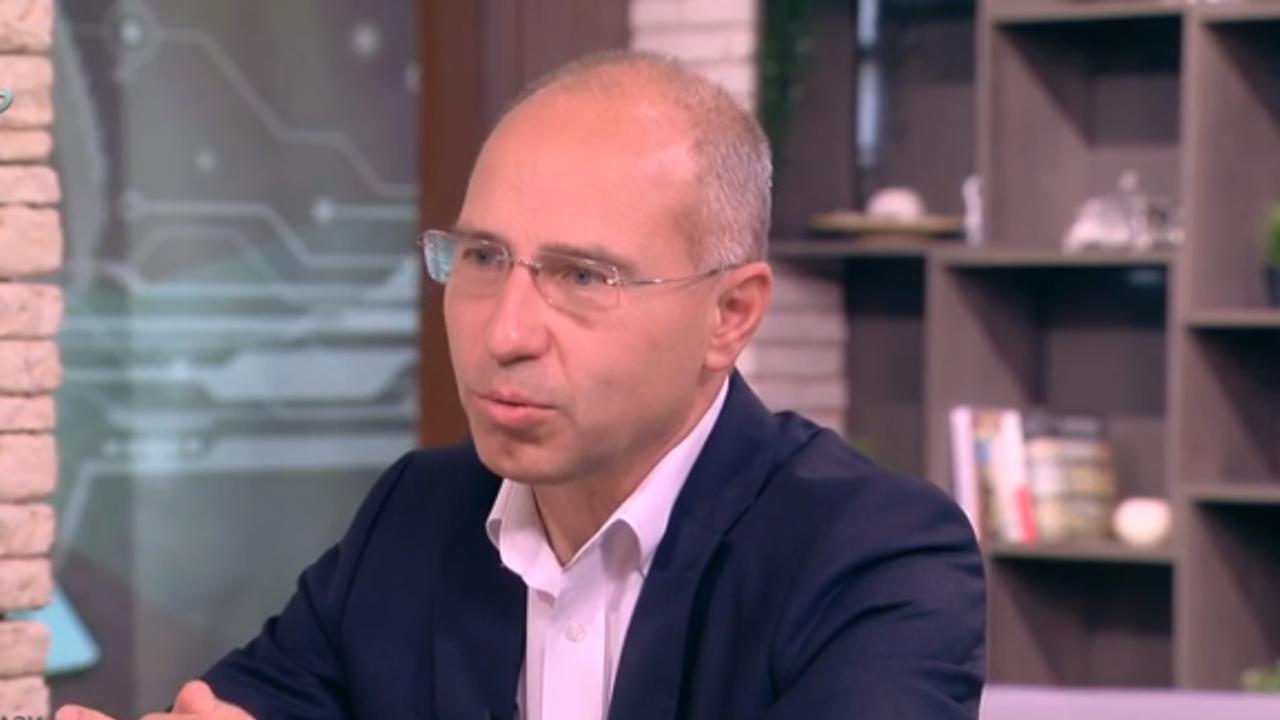 """Директорът на """"Сиела Норма"""": Още си чакаме парите за машините от вота на 4 април"""