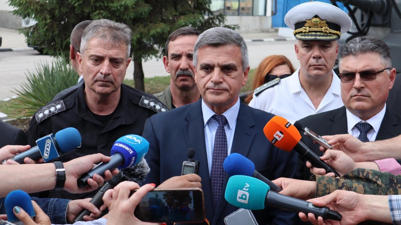 Премиерът Стефан Янев с последна информация за падналия МиГ-29 и изчезналия пилот
