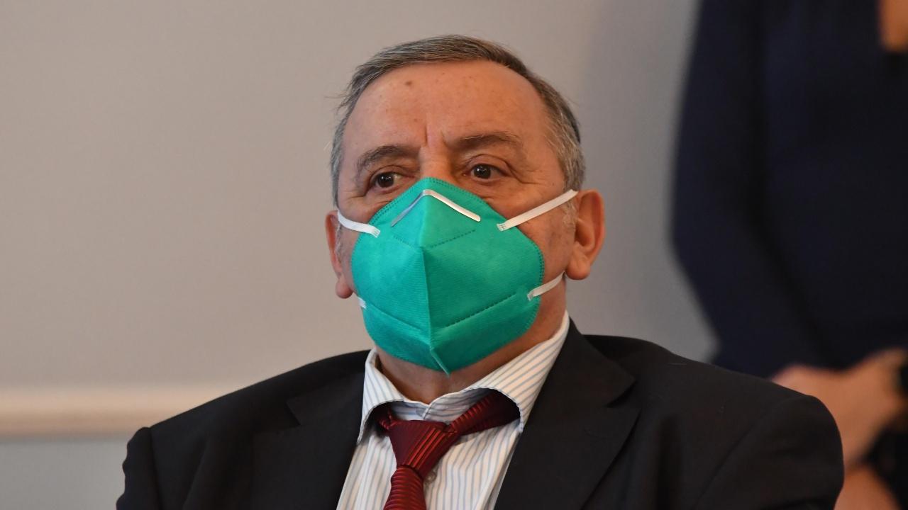 """НФСБ искат държавно отличие за проф. Кантарджиев: Трудно ще го """"изчегъртате"""""""