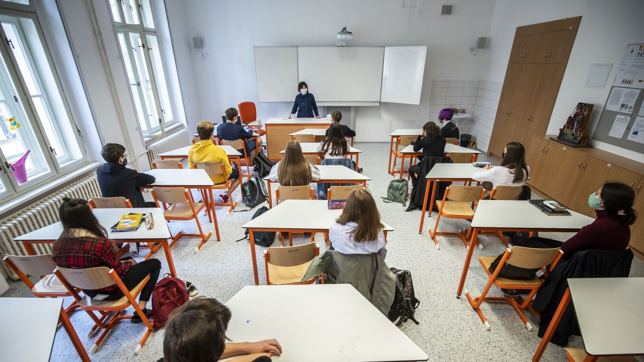 СРСНПРБ: През следващата учебна година НВО в 4-ти и в 10-ти клас да е в последната седмица на класа