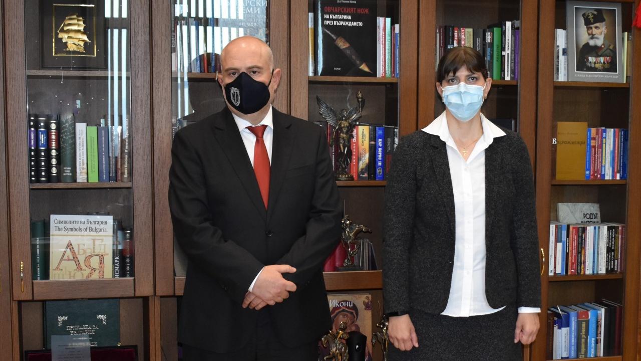 Иван Гешев и Лаура Кьовеши проведоха среща в Съдебната палата в София