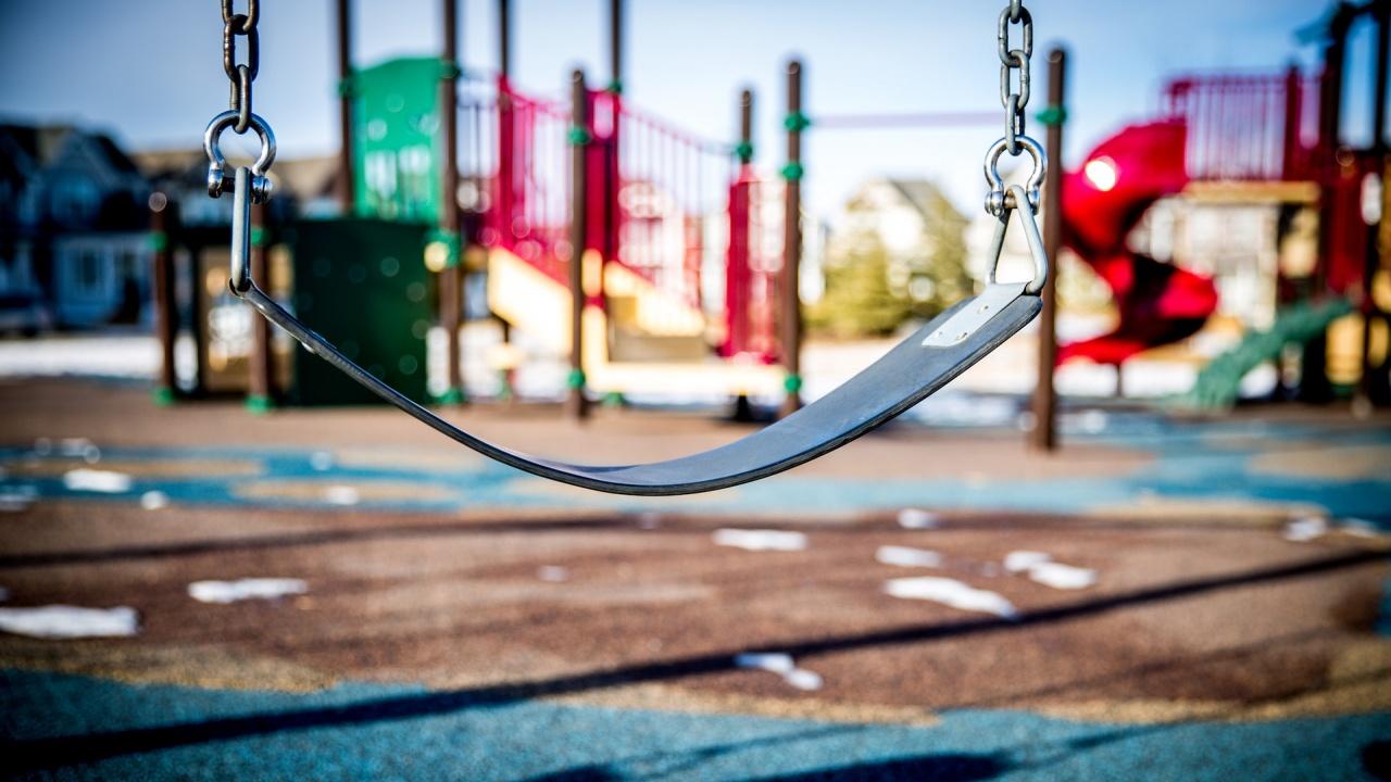 В шест детски градини в Пловдив ще бъдат обновени площадките за игра на двора
