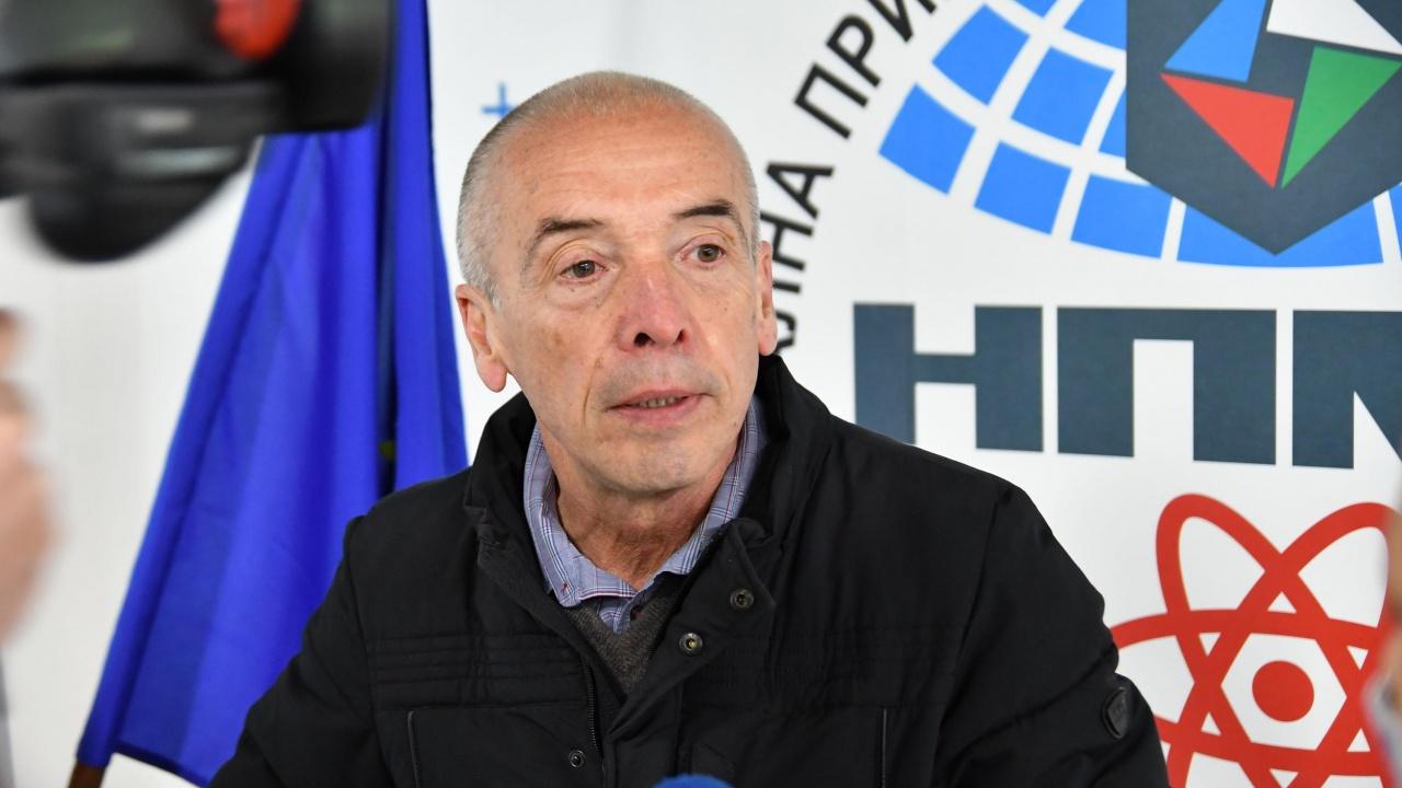 Доц. Мангъров за проф. Кантарджиев: Добре, че го пенсионираха!