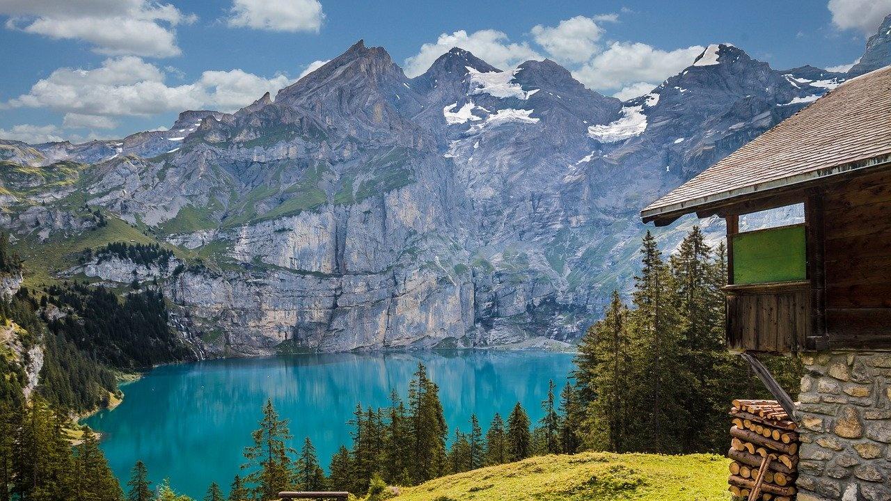 Швейцарците отхвърлиха идеята за данък върху самолетните билети