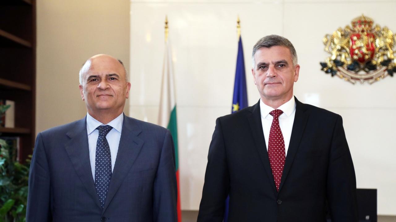 Стефан Янев се срещна с посланика на Гърция Димитрис Хронопулос