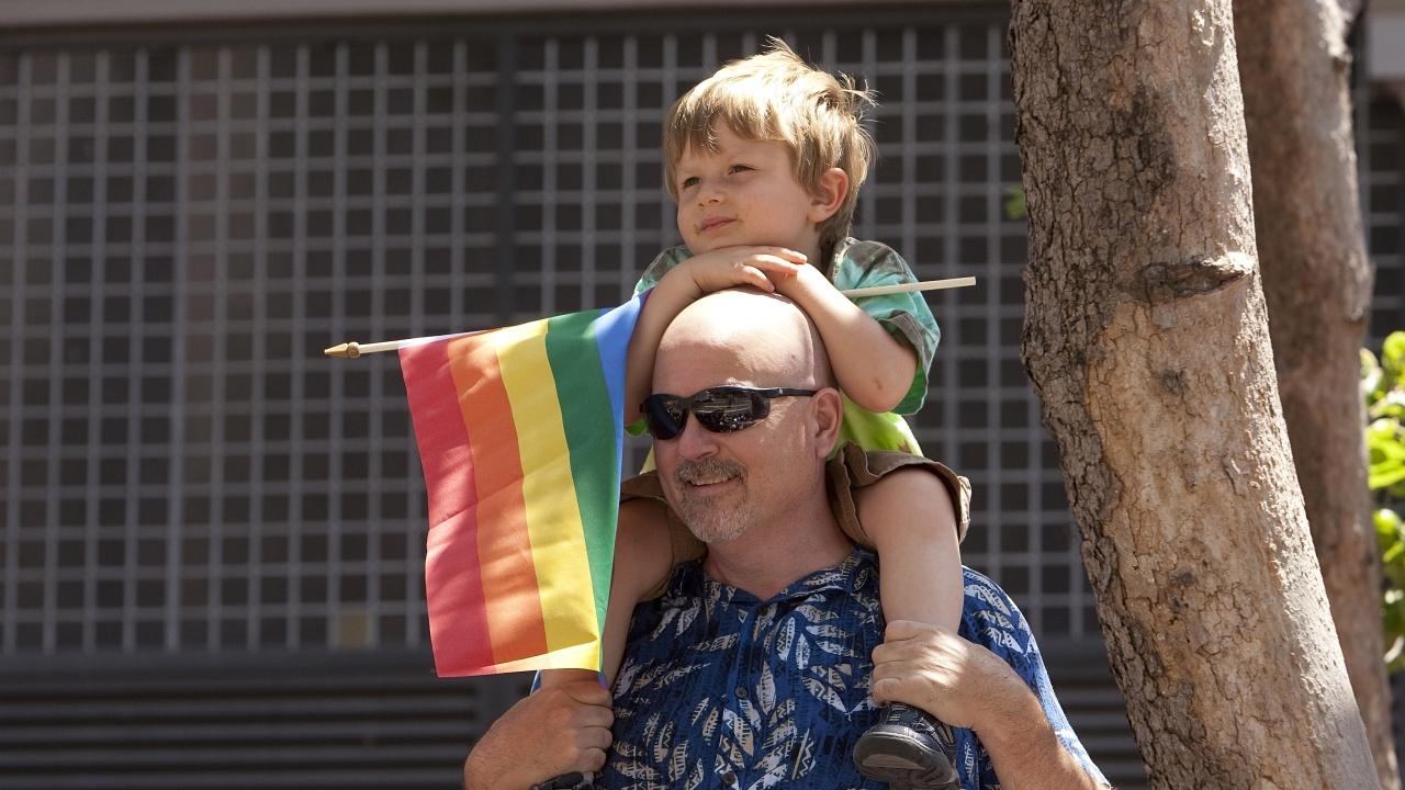 """Унгария прие закон, забраняващ """"популяризирането"""" на хомосексуалността сред деца"""