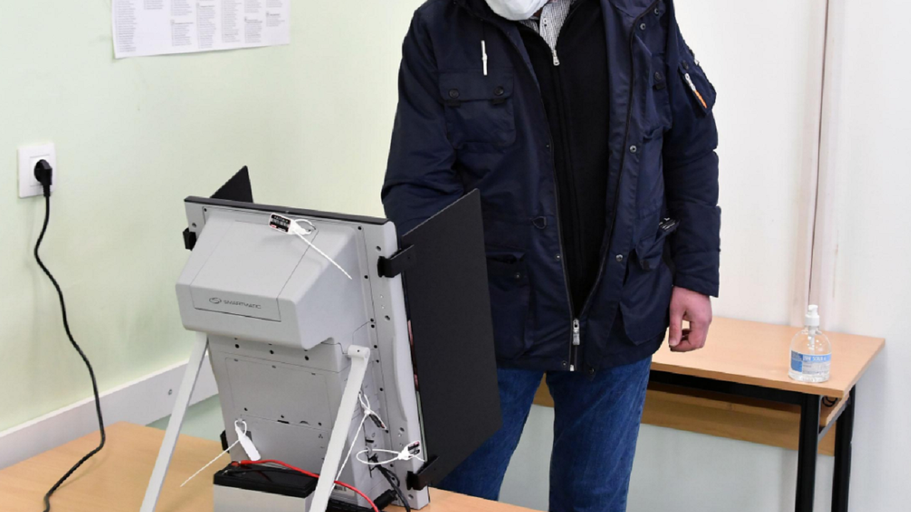 """""""Сова Харис"""": 65% от българите ще гласуват за същата партия/коалиция"""