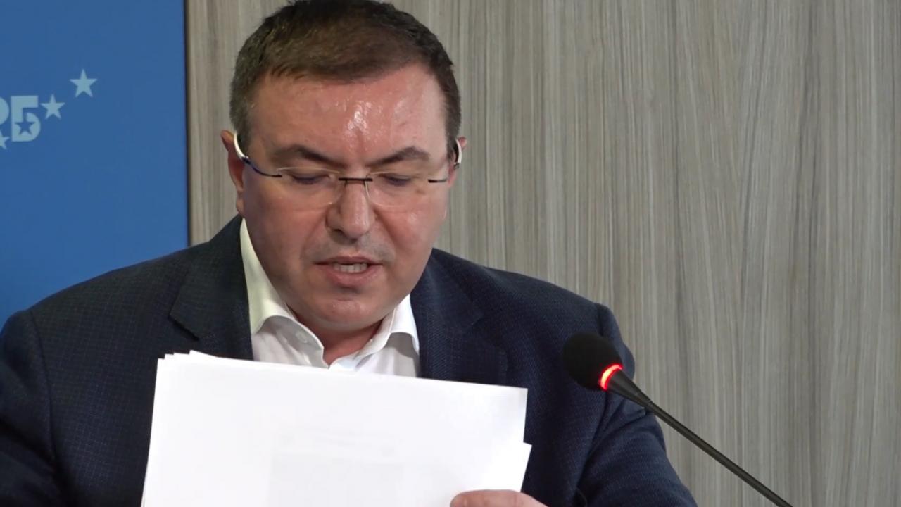 Проф. Ангелов с безмилостна критика: Антиваксър е начело на здравеопазването, вървим умишлено към четвърта вълна
